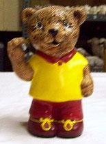 Teddy mit Dartpfeil