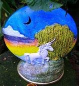 Runder Mond mit Einhorn