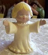 Engel mit ausgebreiteten Armen