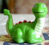 Dinosaurier Alberto liegend