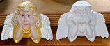Engel  beide Hände aufstützend flach