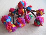 Llavero tibetano con pompones de colores