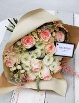 Ramo 12 ó 16 rosas color pastel y complemento floral