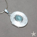 Medaillon oval 2cm, mit eisblauem Aquamarin, Silber,