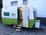 Selfiebox Wohnwagen mieten 1 Tag inkl. Fotobox und 400 Bilder im Direktdruck und Utensilienbox
