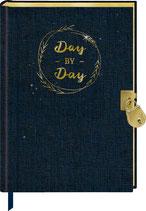 Tagebuch mit Schloss - Day by Day