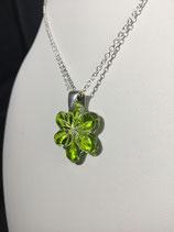 PE 120 - Pendentif fleur étoilée vert anis cristal