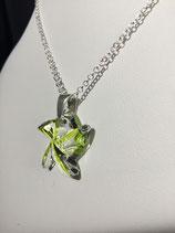 "PE 141 - Pendentif ""étoile"" vert anis"