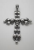 Kreuz aus Totenköpfen gross