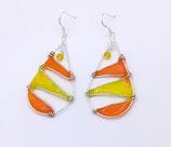 Boucles d'oreilles forme goutte ton jaune-orange