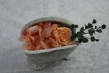 Budda Nuss Farbe weiß mit konservierter Rose, Hortensien und Eukalyptus