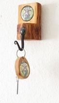 """Schlüsselhalter zur Wandmontage  mit passendem Schlüsselanhänger """"Kuh farbig"""""""