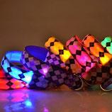 Leuchthalsband mit Rautenmuster und Blinkintervallen