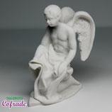 Ángel arrodillado con tela  - 9 cm