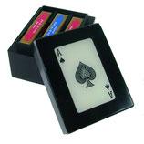 Kartenbox mit drei Spielen