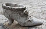 Beton Schuhe lange Schleife