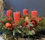 Klassischer Advents-Kranz in rot Tönen