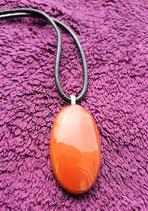 pendentif jaspe rouge 4 x 2 cm