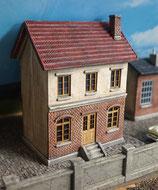 Eisenbahner-Wohnhaus mit Schornstein Spur 0  1:45 koloriert bemalt gealtert