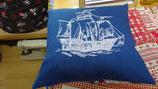 Stickkissen Segelschiff  40 x 40   blau Leinen  mit Glanzgarn (weiß )  mit  Inlett
