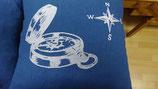 Stickkissen Kompas   40 x 40   blau Leinen  mit Glanzgarn (weiß )  mit  Inlett