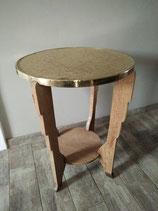 Stijlvolle bijzettafel van hout met koperen/gouden blad | Art.nr: 0051