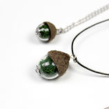 kleiner Waldgruß • Halskette mit Moos und Eichelhütchen | Halsschmuck