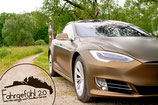Wochend-Gutschein: 2 Tage Tesla-Fahren
