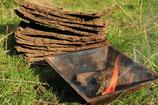 Getrockneter Kuhdung von unseren Kühen mit Hörnern für die Beetpflege und auch für das Agnihotra-Feuerritual