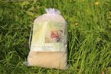 Naturreine, kardierte Schafwolle zur Brustpflege oder als Windeleinlage