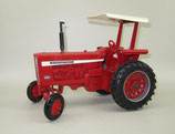 IH 826 Tractor with ROPS by Ertl
