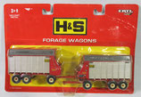 H & S Forage Wagons Set Ertl 1/64