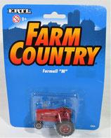 """IH Farmall """"MD"""" Diesel Narrow Front Tractor 1/64 Ertl"""