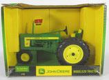 John Deere 520 Narrow Front Tractor