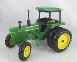 John Deere 4040 FWA Toy Tractor Times 2001 Ertl