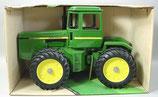 John Deere 8650 4 WD Tractor