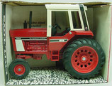 IH 1086 Tractor with Cab Ertl