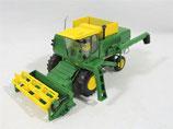 John Deere Ho 1/87 7700 Combine with Grain Head Athearn