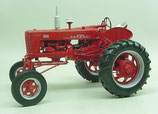 IH 300 Farmall Hi-Clear Gas Tractor