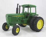 John Deere 4450 Tractor Green Cab with Duals Ertl