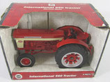 IH 560 Wide Front Tractor