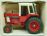 IH 1586 Tractor with Cab Ertl