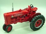 IH M-TA Super Farmall Tractor Toy Farmer
