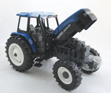 New Holland 8260 Toy Farmer National Farm Show Tractor 1997 Ertl