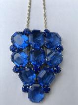 Art Deco Kleiderclip aus dicht besetzten blauem Strasssteinen+ einfache Kette