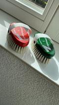 Beschriftbare Schmusebürste mit weichen Borsten von Rilewa