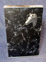 Pferdeurne Nr. 11 Marmor schwarz, silber