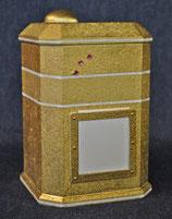 Design 05 /gold