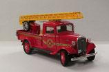 Art.Nr. 16.250 Chevrolet Fire Truck mit Drehleiter