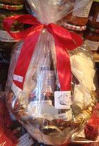 Bunter Präsentkorb 12 --3 Marmeladen 200g, 1 Erdbeeren Likör, 1 Pesto 200g in Korb/Kiste und schöner Verpackung